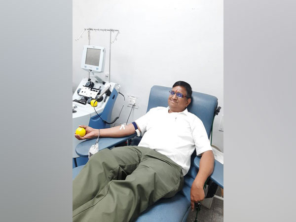 Pravin Bhandekar from Mumbai has been donating blood regularly, over the years despite his disablity.
