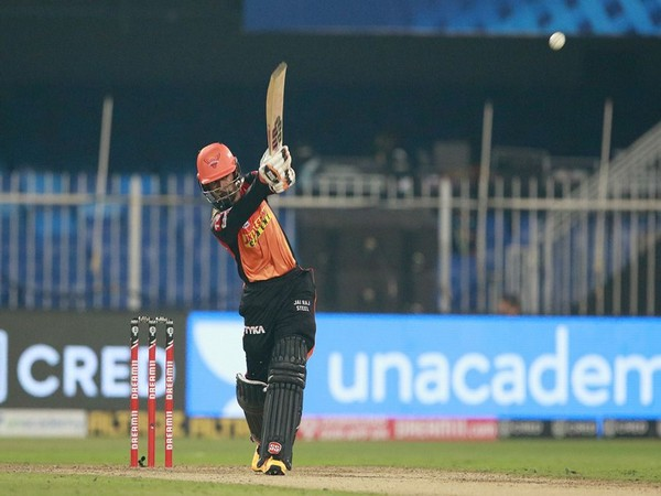 SRH wicket-keeper batsman Wriddhiman Saha in action against RCB (Photo/ iplt20.com)