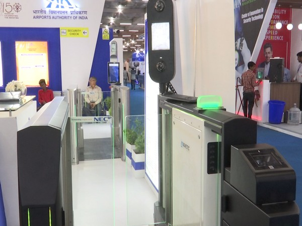 The AAI stall exhibited top of the line DigiYatra system or the face recognition system among many other futuristic pioneering security systems.