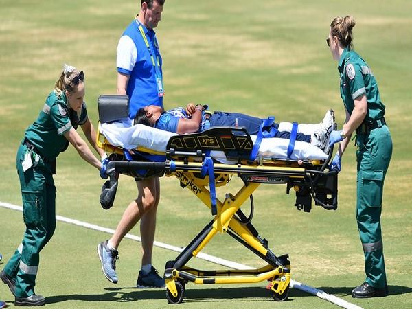 Achini Kulasuriya being taken to ambulance in a stretcher. (Photo/cricket.com.au Twitter)