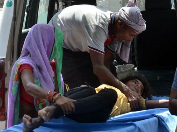 Family members carrying an infected child to a hospital in Muzaffarpur. (File photo)