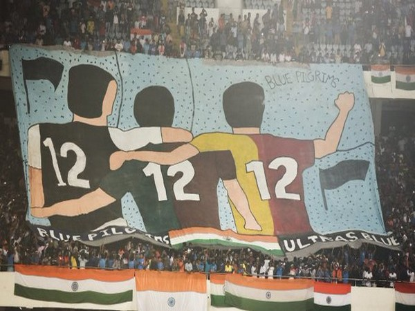 Kolkata fans supporting for India in big numbers against Bangladesh. (Photo/Indian Football Team Twitter)