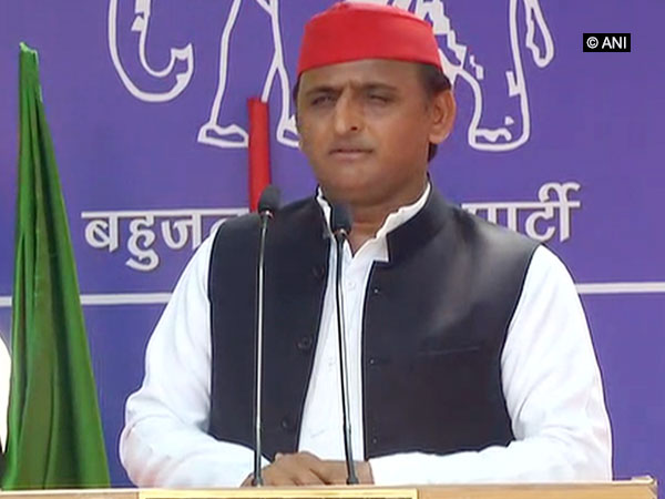 Former UP Chief Minister Akhilesh Yadav addressing public meeting in Lucknow Photo/ANI
