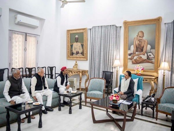 L to R: SP spokesperson Rajendra Chaudhary, SP leader Ahmed Hassan, Former CM Akhilesh Yadav, and UP Governor Anandiben Patel. (Picture credit: SP's official twitter account)