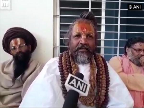 Computer Baba speaking to ANI in Hoshangabad, Madhya Pradesh, on Monday. Photo/ANI