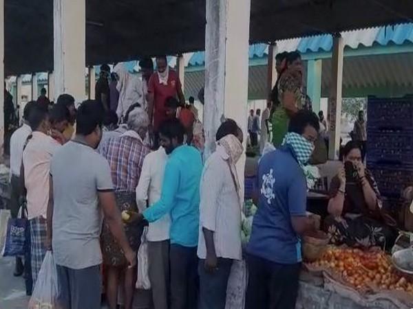 Visual of a vegetable market in Andhra Pradesh
