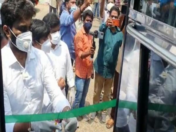 "Rajamahendravaram MP Margani Bharat inaugurating ""Oxygen on Wheels"" buses. (Photo/ANI)"