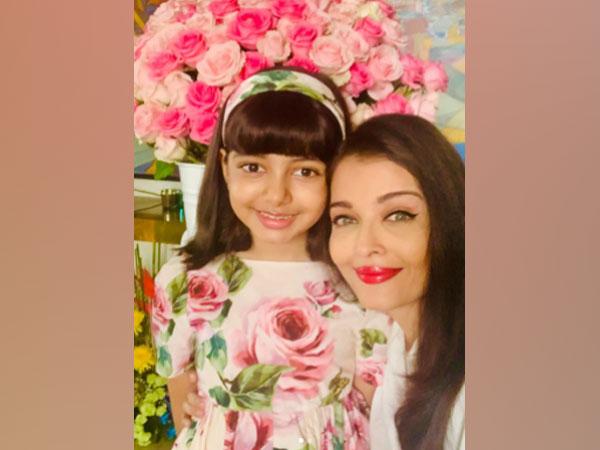 Actor Aishwarya Rai Bachchan with daughter Aaradhya Bachchan. (Image Source: Instagram)
