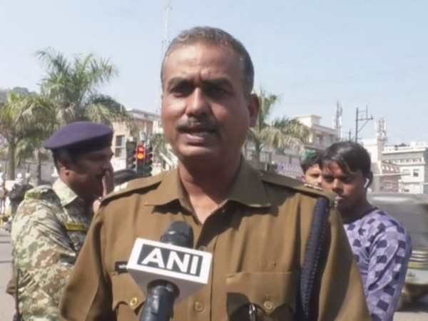 Additional Superintendent of Police (ASP) of Gwalior Satyendra Singh Tomar speaking to reporters on Saturday. Photo/ANI