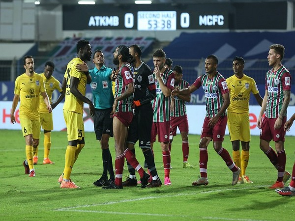 ATKMB and MCFC's battle for the League Winners Shield is set to go down to the wire (Image: ISL)