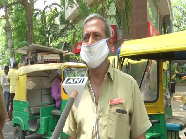 Auto drivers adversely affected by lockdown in Bengaluru. Photo/ ANI