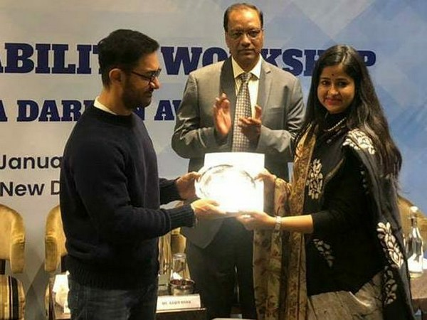 The award was conferred by actor Aamir Khan to Indore Zila Panchayat CEO Neha Meena in New Delhi. Photo/ANI