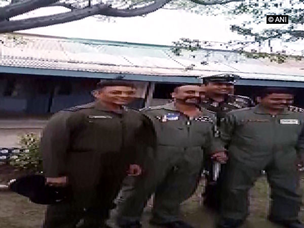 Wing Commander Abhinandan Varthaman poses for a pic with colleagues. Photo/ANI