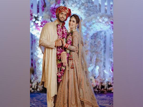 Abhishek Malik with his wife (Image source: Instagram)