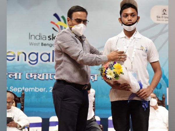 Abhishek Kumar Shaw being felicitated in an event organised by Govt. of West Bengal