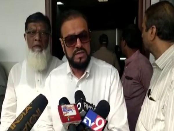 Samajwadi Party leader Abu Asim Azmi speaking to media in Mumbai on Monday. Photo/ANI