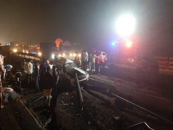 Five killed and at least five injured in a collision between multiple vehicles on Mumbai - Pune Expressway near Khopoli last night. The injured were taken to a hospital.