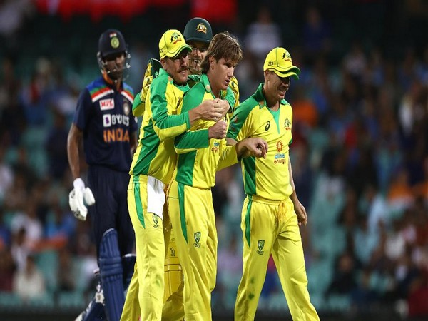 Australian players celebrate after taking a wicket (Photo/ ICC Twitter)