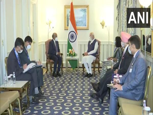 Prime Minister Narendra Modi had a productive meeting with Shantanu Narayan, Chief Executive Officer (CEO) of Adobe.