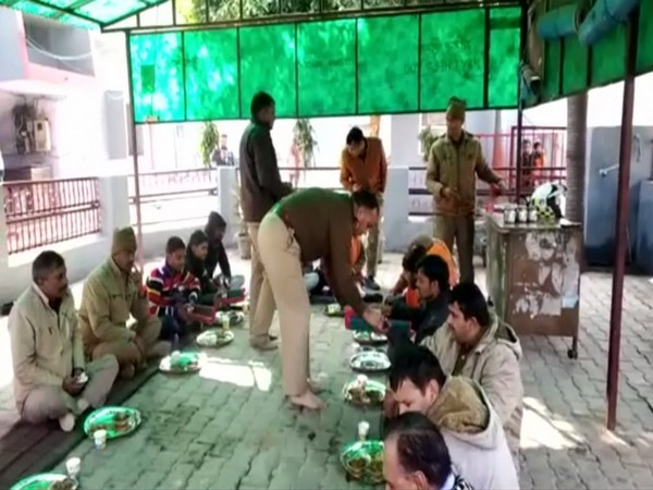 The last rites were performed as per Hindu religion and a 'Bhoj' was also organised by the police officers, according to a video that has surfaced. Photo/ANI