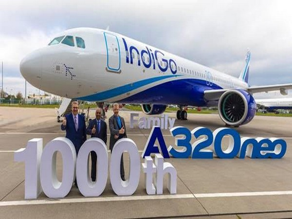 IndiGo's CEO Rono Dutta (centre) with Michael Menking, Head of A320 Family Programme at Airbus (left), and Michael Culhane of CDB Aviation Lease Finance