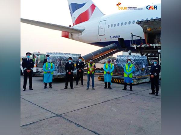 British Airways airlifts oxygen cylinders to Delhi. (Image courtsey:  @DelhiAirport)