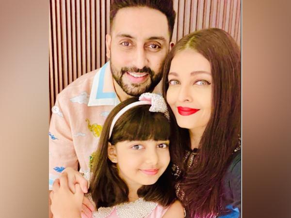 Celebrity couple Abhishek Bachchan, Aishwarya Bachchan with daughter Aaradhya Bachchan (Image Source: Instagram)