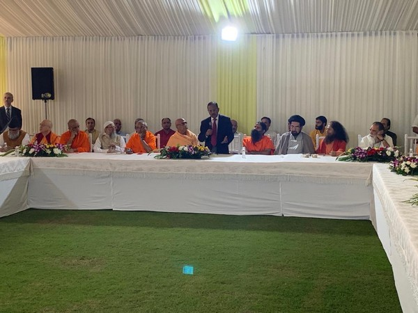 Hindu and Muslim religious leaders during the inter-religious faith meet at National Security Advisor Ajit Doval's residence in New Delhi on Sunday. Photo/ANI