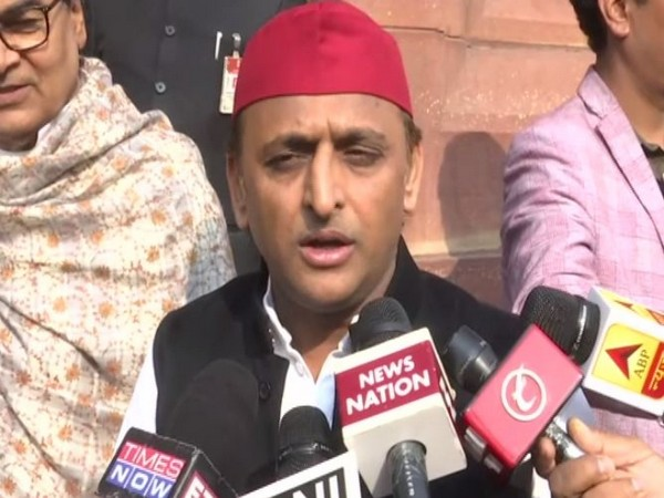 SP leader Akhilesh Yadav speaking to reporters in New Delhi on Tuesday. Photo/ANI