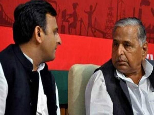 SP patron Mulayam Singh (right) and former Uttar Pradesh chief minister Akhilesh Yadav (left)