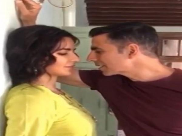 Akshay Kumar recreates 'Namastey London' scene on sets of 'Sooryavanshi'