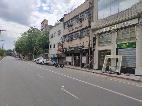 Jewellery shops in Karol Bagh remain shut on Akshaya Tritiya due to the lockdown. Photo/ANI