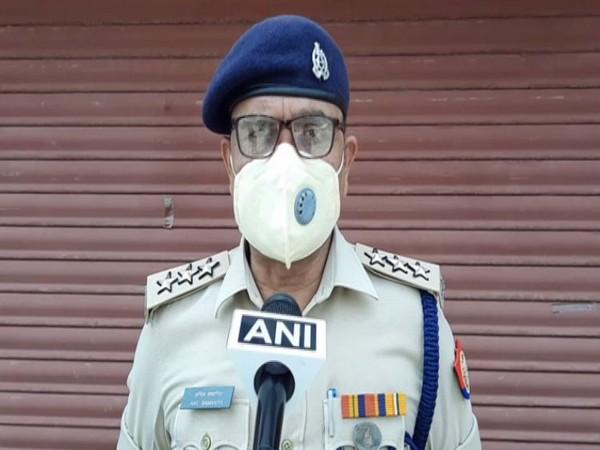 Anil Samania, Circle Officer (CO), Civil Line, Aligarh talking to ANI. [Photo/ANI]