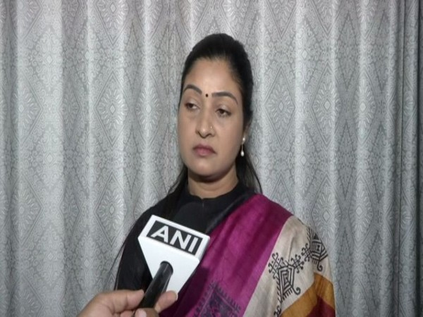 Congress leader Alka Lamba speaking to ANI in New Delhi on Sunday.