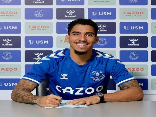 Midfielder Allan (Photo/Everton Twitter)
