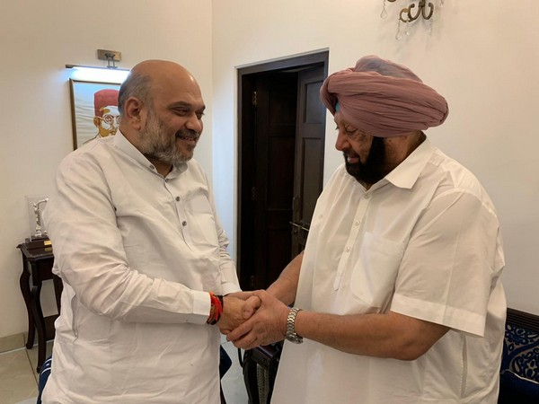 Union Home Minister Amit Shah meets Punjab Chief Minister Captain Amarinder Singh in New Delhi on Thursday. Photo/ANI