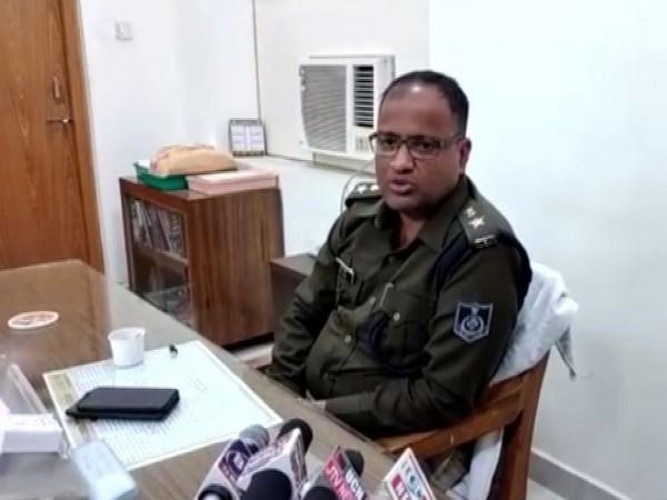 SP Jabalpur, Amit Singh talking to reporters on Thursday. Photo/ANI