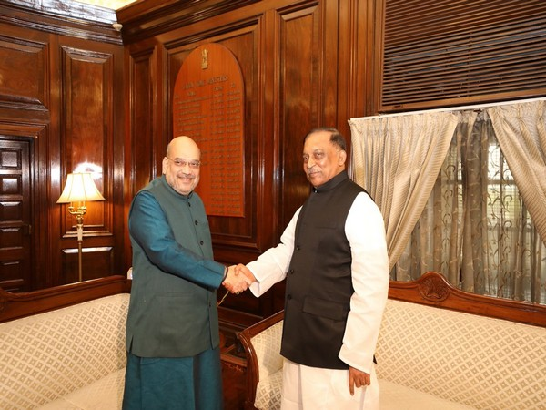 Home Minister Amit Shah with his Bangladeshi counterpart Asaduzzaman Khan in New Delhi on Wednesday. (Picture Credits: MHA)