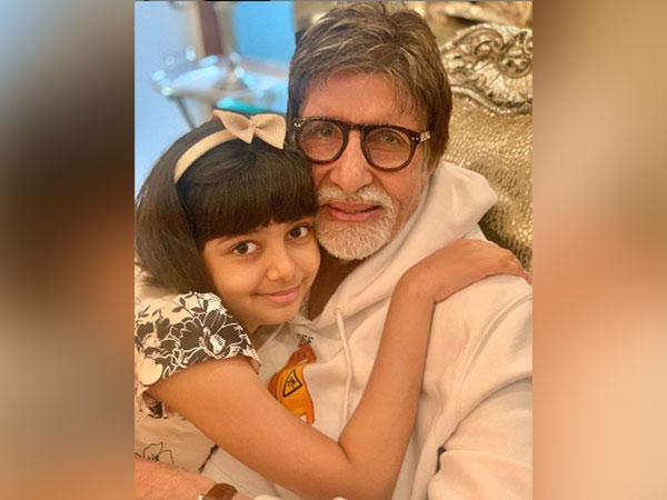 Megastar Amitabh Bachchan with granddaughter Aaradhya. (Image Source: Instagram)