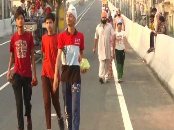 People in Amritsar spotted flouting norms during pandemic. [Photo/ANI]
