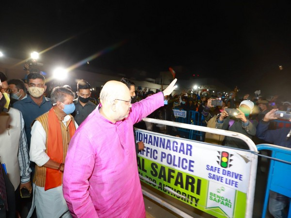 Union Home Minister Amit Shah reached Kolkata at around 1 am on Saturday for his two-day West Bengal visit. (Photo: Amit Shah Twitter)