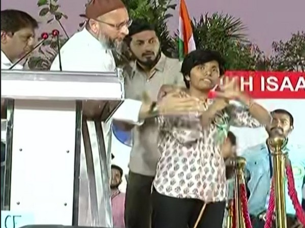 AIMIM president Asaduddin Owaisi and Amulya on the stage during his public meeting in Bengaluru on Thursday. Photo/ANI