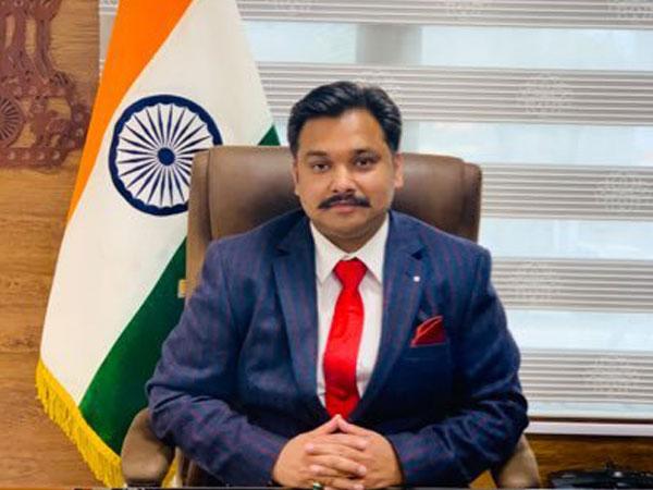 Anantnag Deputy Commissioner (DC) Dr. Piyush Singla. (Photo/Twitter)