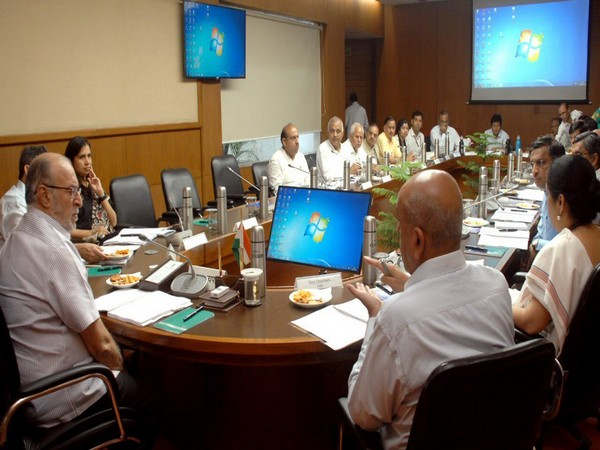 Anil Baijal chairs a Delhi Development Authority meeting (Pic Courtesy official Twitter account of Lieutenant Governor of Delhi)