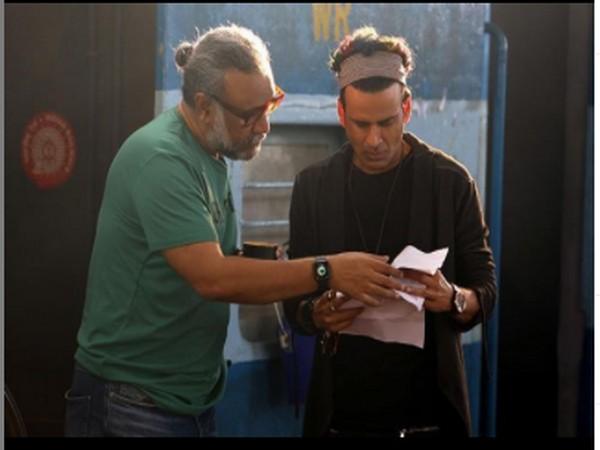 Filmmaker Anubhav Sinha and actor Manoj Bajpayee (Image Courtesy: Instagram)