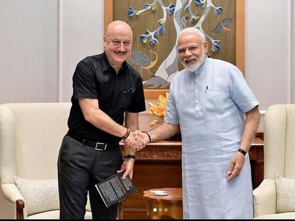 Anupam Kher and Prime Minister Narendra Modi (Image courtesy: Instagram)