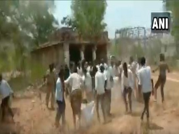 Scuffle breaks out between factions of YSRCP in Andhra Pradesh.