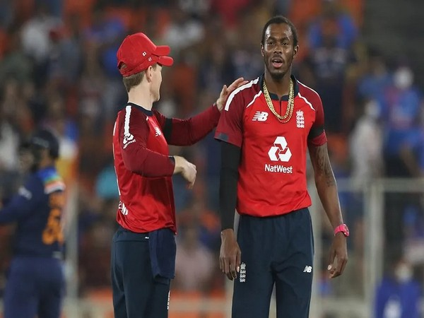 England skipper Eoin Morgan and pacer Jofra Archer (Photo/ BCCI)