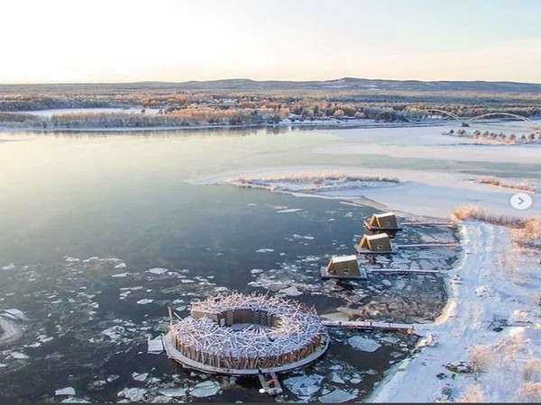 Surrounded by icy winter, Arctic Bath is a circular structure adrift on the Lule River (Image courtesy: Hotel's Instagram page)