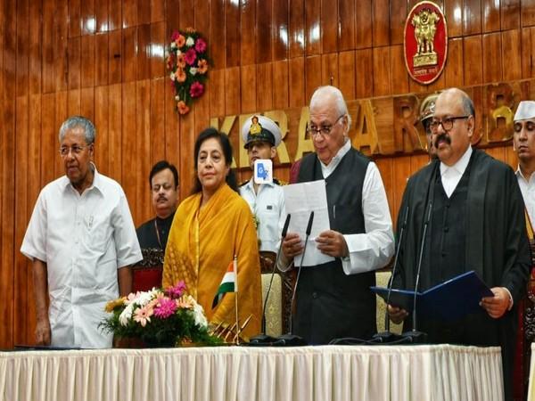 Arif Mohammed Khan taking oath as Kerala Governor in Thiruvananthapuram on Friday. Photo/ANI